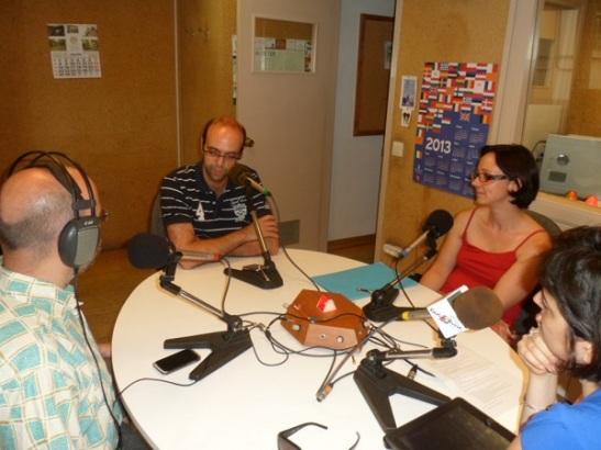 En Dani Rodríguez de Qpertin explicant l'experiència d'implantació de les tablets a les escoles com a recurs educatiu. Imatge Ràdio Sarrià
