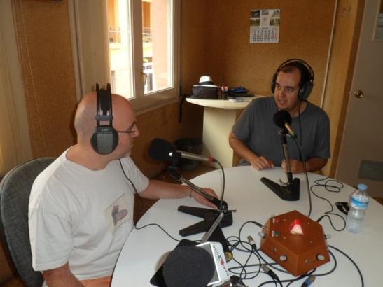 Amb Guillem Alsina parlant de seguretat a internet. Foto: Ràdio Sarrià